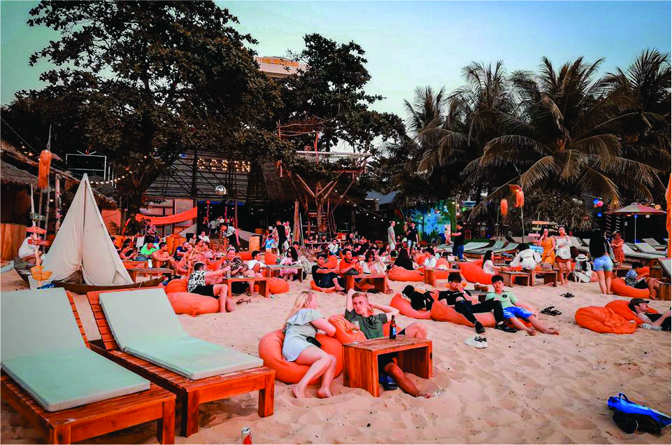 Bar bãi biển Ocsen beach bar & club